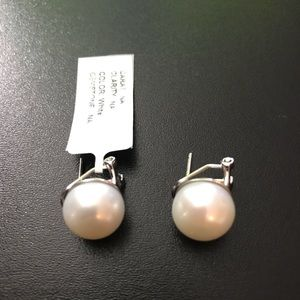 Real fresh water pearl earrings